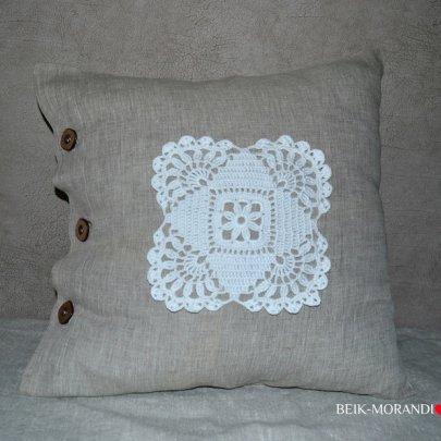Декоративная наволочка с кружевом BEIK-MORANDI. 100% лен серая