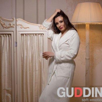 Махровый женский халат Guddini. Marissa молочный