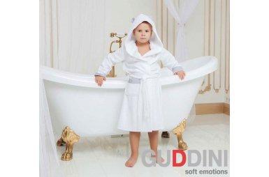 Махровый детский халат для мальчика с капюшоном Guddini. Daniel белый