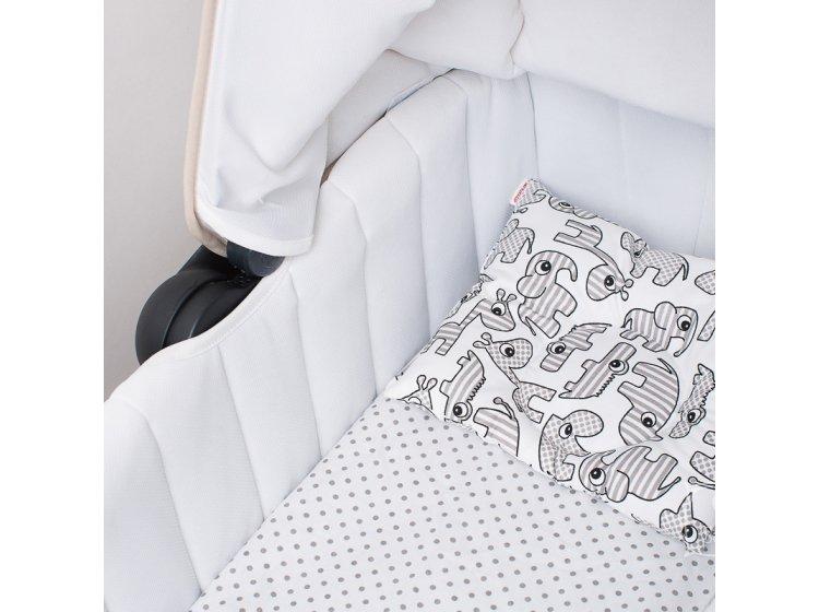 Подушка ортопедическая для младенцев Elfdreams. Вид в коляске