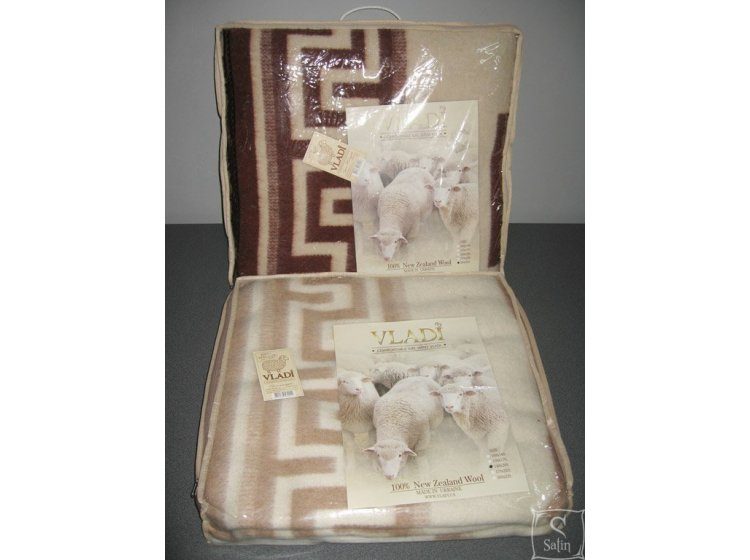 Одеяло Vladi бело-бежевое, новозеландская шерсть, жаккардовое упаковка